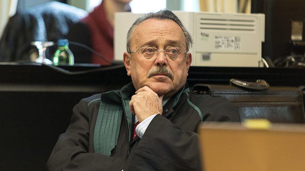 Veszprém, 2017. december 11.Bánáti János védőügyvéd a Magyar Alumínium Termelő és Kereskedelmi (Mal) Zrt. egykori vezérigazgatója, Bakonyi Zoltán és társai ellen különösen nagy vagyoni hátrányt előidéző közveszélyokozás bűntette és más bűncselekmények miatt, az úgynevezett vörösiszapperben indult megismételt elsőfokú eljárás első tárgyalási napján a Veszprémi Törvényszéken 2017. december 11-én.MTI Fotó: Krizsán Csaba
