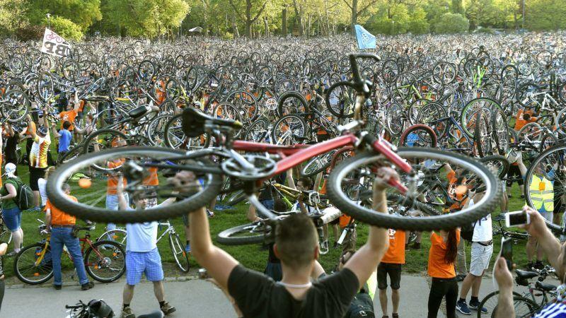 Budapest, 2018. április 22. Az I Bike Budapest kerékpáros felvonulás záróeseménye a Városligetben 2018. április 22-én. MTI Fotó: Bruzák Noémi