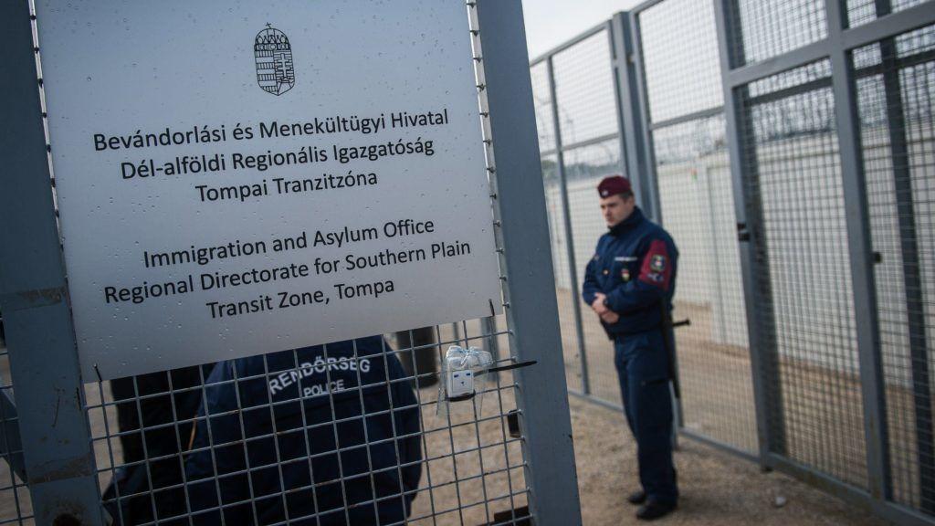 Tompa, 2017. április 6. A kibõvített tompai tranzitzóna 2017. április 6-án. MTI Fotó: Ujvári Sándor