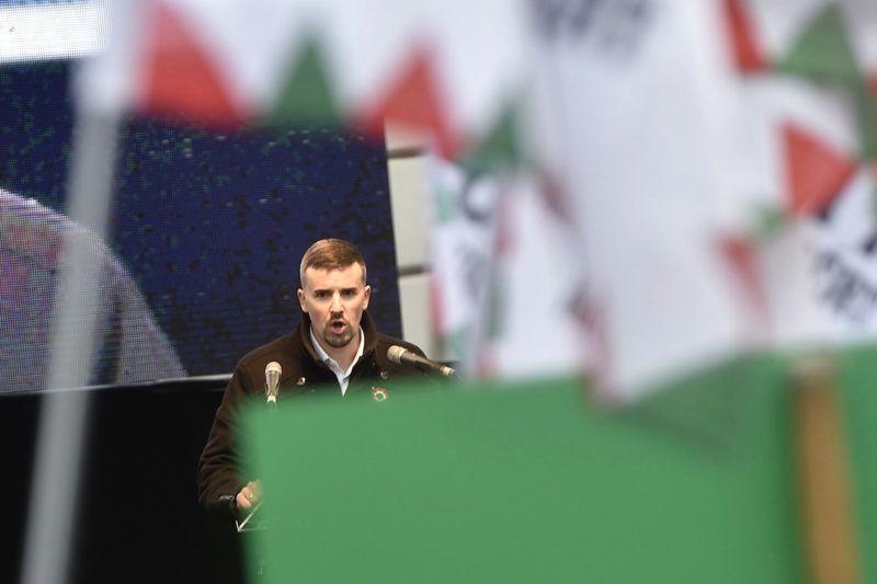 Budapest, 2018. március 15.Jakab Péter, a Jobbik szóvivője felszólal pártja ünnepségén, amelyet az 1848-49-es forradalom és szabadságharc kitörésének 170. évfordulója alkalmából tartottak a Batthyány-örökmécsesnél 2018. március 15-én.MTI Fotó: Máthé Zoltán