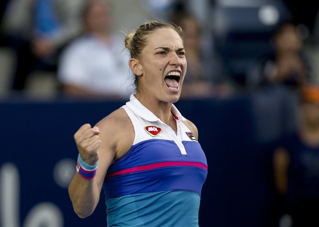 Monterrey, 2018. április 6. Babos Tímea a brit Naomi Broady ellen játszik a monterreyi keménypályás nõi tenisztorna egyesében 2018. április 5-én. (MTI/EPA/Miguel Sierra)