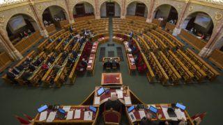 Budapest, 2018. március 21. Az Országgyûlés rendkívüli plenáris ülése 2018. március 21-én. MTI Fotó: Szigetváry Zsolt
