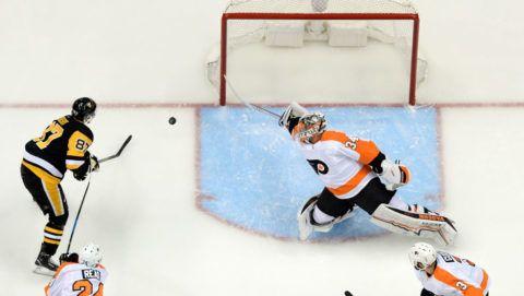 Hetet számolt ősi riválisára az NHL-címvédő a rájátszás első meccsén