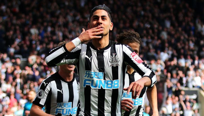 NEWCASTLE UPON TYNE, ENGLAND - APRIL 15: Ayoze Perez of Newcastle United celebrates scoring his side's first goal during the Premier League match between Newcastle United and Arsenal at St. James Park on April 15, 2018 in Newcastle upon Tyne, England. (Photo by Chris Brunskill Ltd/Getty Images)