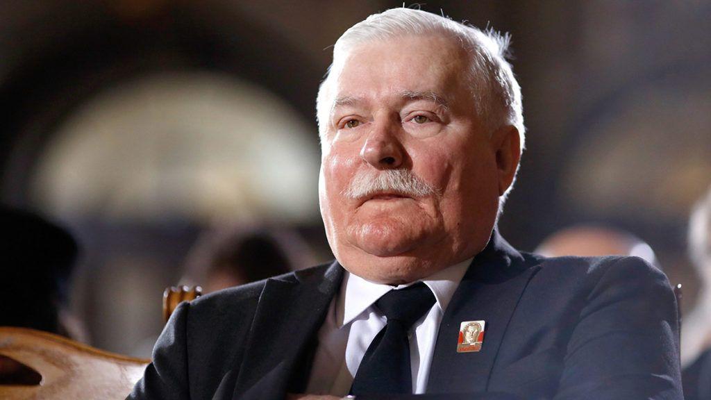 Berlin, 2015. február 11.Lech Walesa Nobel-békedíjas volt lengyel elnök részt vesz Richard von Weizsäcker volt német államfő hivatalos búcsúztatásán a berlini székesegyházban 2015. február 11-én. A konzervatív politikus, aki az egykori Nyugat-Németország hatodik, és az újraegyesített Németország első államfője volt, 2015. január 31-én, 94 éves korában hunyt el. (MTI/EPA/Pool/Markus Schreiber)