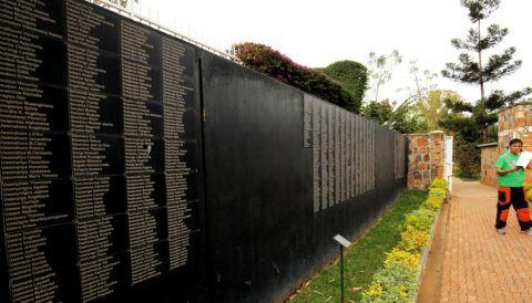 Kigali, 2017. augusztus 4. A ruandai népirtás áldozatainak emlékmûve Kigaliban a ruandai elnökválasztás napján, 2017. augusztus 4-én. (MTI/EPA/Ahmed Jallanzo)