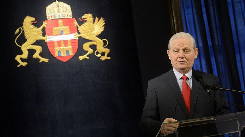 Budapest, 2018. március 8.Tarlós István főpolgármester beszédet mond a Csengery Antal-díj átadásán a Városházán 2018. március 8-án. Az elismerést a Fővárosi Közgyűlés azon újságíróknak, médiában dolgozóknak, közösségeknek adományozza, akik huzamos időn át kiemelkedő tevékenységükkel a fővárost, a főváros kerületeit és a főváros önkormányzatának működését érintő hírekről, információkról magas színvonalú, hiteles, pontos, tárgyilagos és gyors tájékoztatást adnak.MTI Fotó: Soós Lajos