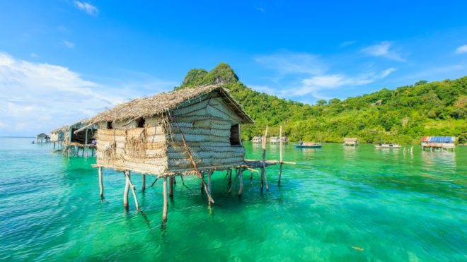 Beautiful landscapes view borneo sea gypsy water village in Mabul Bodgaya Island, Malaysia.