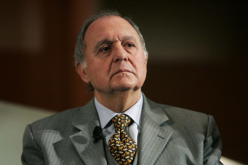 A picture taken on December 10, 2007, shows the 81 hold economist Paolo Savona looking on during a meeting in Rome. Paolo Savona, chosen by the Italian populists to be the new finance minister, is an eurosceptic economist, very critical of Germany who made the euro. His euroscepticism displayed has so far prevented his appointment by Italian President Sergio Mattarella, who has the power to appoint ministers. / AFP PHOTO / Fabio FRUSTACI