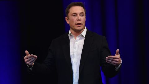 Billionaire entrepreneur and founder of SpaceX Elon Musk speaks at the 68th International Astronautical Congress 2017 in Adelaide on September 29, 2017.  Musk said his company SpaceX has begun serious work on the BFR Rocket as he plans an Interplanetary Transport System. / AFP PHOTO / PETER PARKS