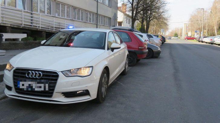 Az a hír járja, hogy Audikkal kényszerítik gyorshajtásba a sofőröket a rendőrök