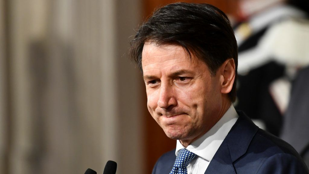 Italian lawyer Giuseppe Conte addresses journalists after a meeting with Italy's President Sergio Mattarella on May 23, 2018 at the Quirinale presidential palace in Rome. Italy's president approved little-known lawyer Giuseppe Conte's nomination to be prime minister of a government formed by far-right and anti-establishment parties. / AFP PHOTO / Vincenzo PINTO