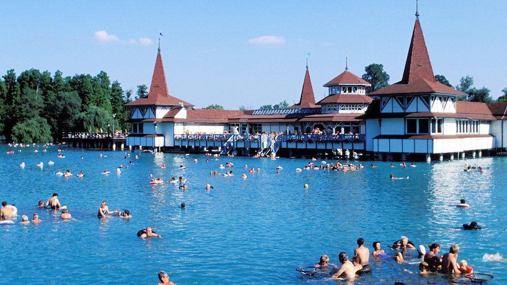 Hungary, Lake Balaton, Heviz thermal lake