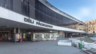 Budapest, 2015. március 7.A Déli pályaudvar épülete a főváros I. kerületében a Krisztina körút és az Alkotás utca találkozásánál.MTVA/Bizományosi: Faluldi Imre ***************************Kedves Felhasználó!Az Ön által most kiválasztott fénykép nem képezi az MTI fotókiadásának, valamint az MTVA fotóarchívumának szerves részét. A kép tartalmáért és a szövegért a fotó készítője vállalja a felelősséget.