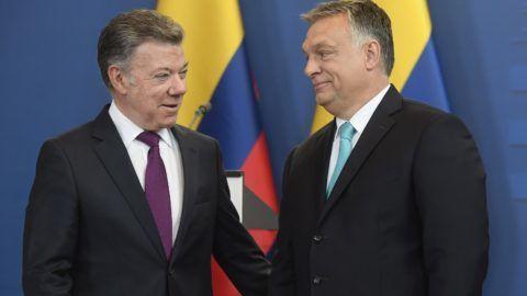Budapest, 2018. május 11. Juan Manuel Santos kolumbiai államfõ (b) és Orbán Viktor miniszterelnök a megbeszélésüket követõen tartott sajtótájékoztatón az Országházban 2018. május 11-én. MTI Fotó: Kovács Tamás