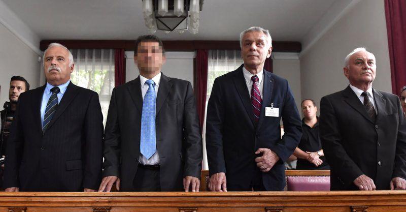 Budapest, 2018. május 29. Galambos Lajos, a Nemzetbiztonsági Hivatal (NBH) volt fõigazgatója, elsõrendû (j), Szilvásy György, a Gyurcsány-kormány titokminisztere, másodrendû (j2), P. László, egy biztonsági cég vezetõje, harmadrendû (b2) és Laborc Sándor, a Nemzetbiztonsági Hivatal (NBH) volt fõigazgatója, negyedrendû vádlott (b) az úgynevezett kémper tárgyalásán a Kúria tárgyalótermében 2018. május 29-én. Az államtitok miatt zárt ajtók mögött zajló perben tavaly õsszel a Fõvárosi Ítélõtábla jogerõsen felmentette a vádlottakat, az ügyészség ez ellen nyújtott be felülvizsgálati indítványt. A Kúria ezen a napon elutasította a Legfõbb Ügyészség felülvizsgálati indítványát a kémkedéssel vádolt volt titkosszolgálati vezetõk ügyében, így jogerõs maradt a korábbi felmentõ rendelkezés. MTI Fotó: Illyés Tibor