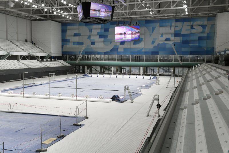 Budapest, 2018. január 31. Az átépítés alatt álló Duna Aréna 2018. január 31-én. Az uszodát a vizes világbajnokság utáni igényeknek megfelelõen építik át május végéig. MTI Fotó: Koszticsák Szilárd