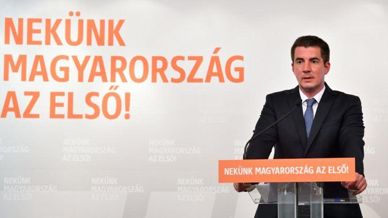 Budapest, 2018. május 3. Kocsis Máté, a Fidesz újonnan megválasztott frakcióvezetõje sajtótájékoztatón beszél a Fidesz-frakció zárt alakuló ülése után a Képviselõi Irodaházban 2018. május 3-án. Kocsis Mátét egyhangú döntéssel választották a Fidesz parlamenti frakcióvezetõjévé az alakuló ülésen. MTI Fotó: Máthé Zoltán