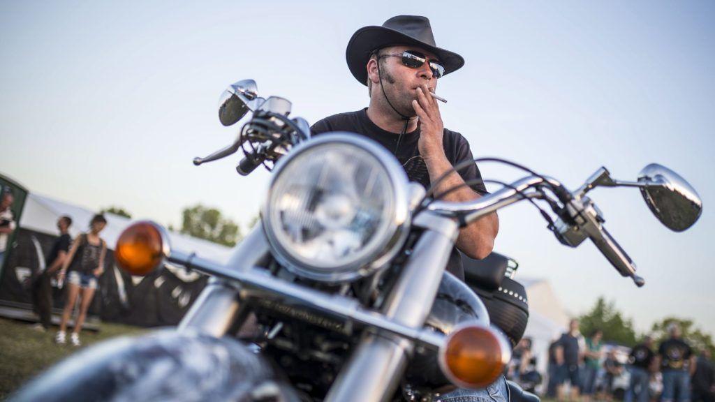 Alsóörs, 2017. június 10. Egy résztvevõ a Harley-Davidson Open Road Festen, Alsóörsön 2017. június 9-én. MTI Fotó: Bodnár Boglárka