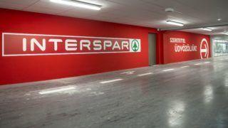 Tatabánya, 2017. november 29. A megújult tatabányai Interspar nagyáruház az avatás napján, 2017. november 29-én. MTI Fotó: Bodnár Boglárka