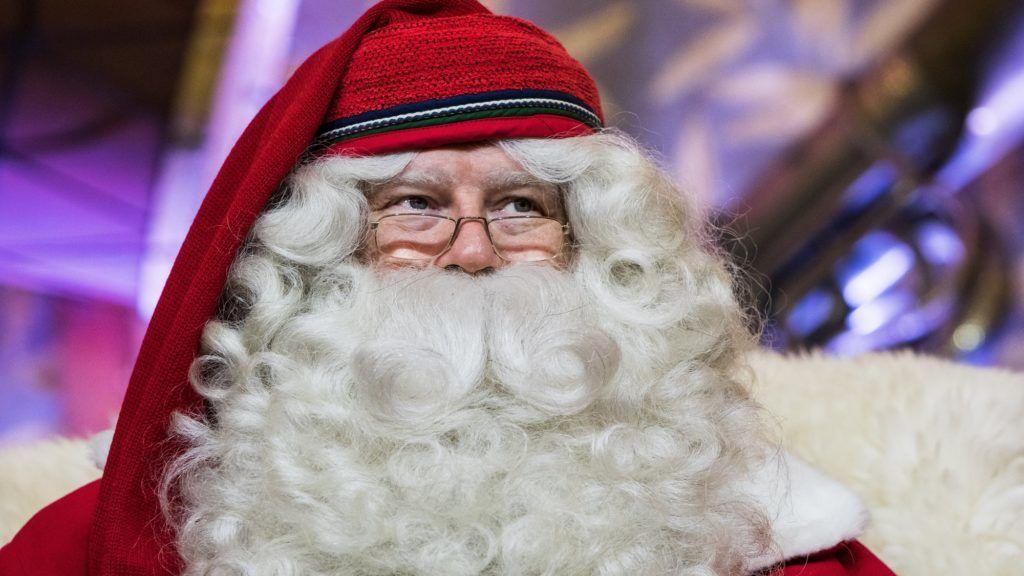 Budapest, 2017. december 6. Joulupukki, a lappföldi Mikulás a Vörösmarty téri karácsonyi vásárban 2017. december 6-án. MTI Fotó: Mónus Márton