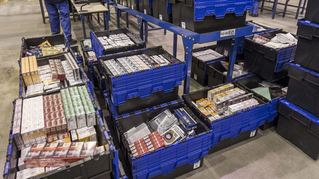 Vecsés, 2015. december 9.Az Országos Dohányboltellátó Kft. logisztikai központja Vecsésen 2015. december 9-én.MTI Fotó: Szigetváry Zsolt