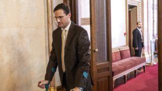 Budapest, 2018. április 25. Gyöngyösi Márton, a Jobbik megválasztott parlamenti képviselõje megérkezik az Országgyûlés alakuló ülését elõkészítõ tárgyalásra az Országház Apponyi Albert terméhez 2018. április 25-én. MTI Fotó: Szigetváry Zsolt
