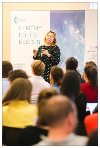 Vékási Andrea előadása a konferencián
