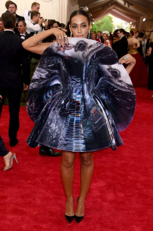 """NEW YORK, NY - MAY 04:  Solange attends the """"China: Through The Looking Glass"""" Costume Institute Benefit Gala at the Metropolitan Museum of Art on May 4, 2015 in New York City.  (Photo by Larry Busacca/Getty Images)"""