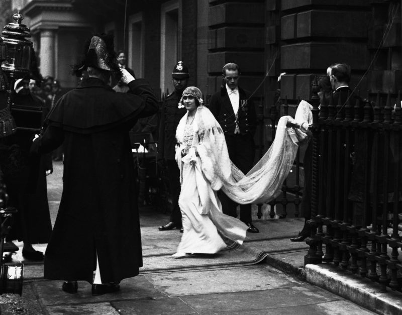 (Original Caption) The Duchess Of York Leaving Her House For Her Wedding. (Photo by © Hulton-Deutsch Collection/CORBIS/Corbis via Getty Images)