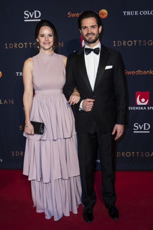 STOCKHOLM, SWEDEN - JANUARY 15: Prince Carl Philip the Duke of Varmland and Princess Sofia of Sweden the Duchess of Varmland walk the red carpet when arriving at Idrottsgalan, the annual Swedish sports awards gala, held at the Ericsson Globe Arena on January 15, 2018 in Stockholm, Sweden. (Photo by MICHAEL CAMPANELLA/WireImage)