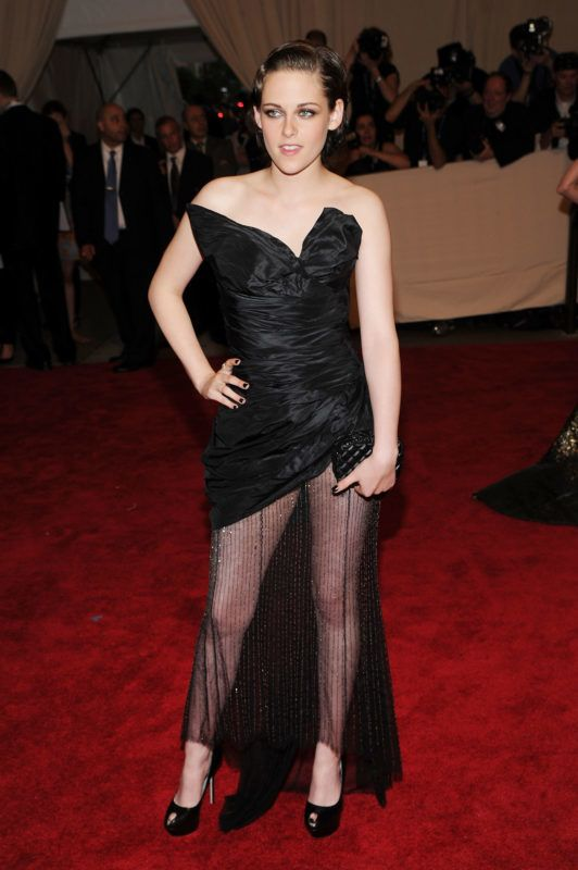"""NEW YORK - MAY 03:  Actress Kristen Stewart attends the Costume Institute Gala Benefit to celebrate the opening of the """"American Woman: Fashioning a National Identity"""" exhibition at The Metropolitan Museum of Art on May 3, 2010 in New York City.  (Photo by Dimitrios Kambouris/FilmMagic)"""