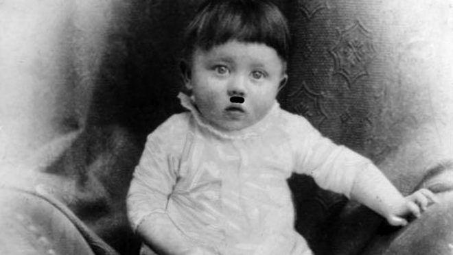 ADN-ZB Adolf Hitler faschistischer Führer, Hauptkriegsverbrecher. geb: 20.4.1889 in Braunau (Inn) gest: (Selbstmord) 30.4.1945 in Berlin  Kinderbildnis