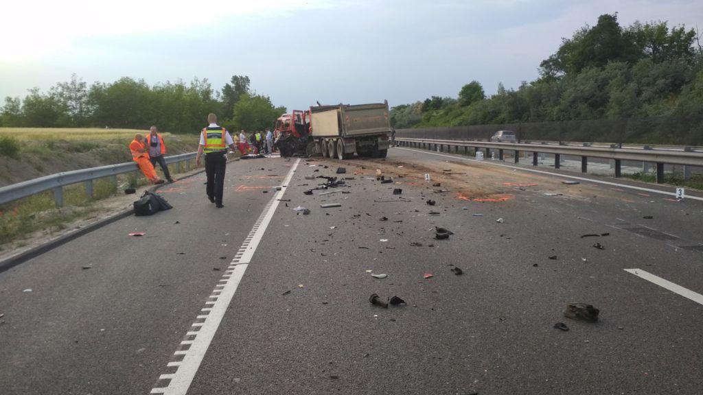 Ceglédberceli baleset: hét férfi és két nő halt meg