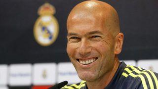 Madrid, 2016. január 8.A francia Zinedine Zidane, a spanyol Real Madrid új vezetőedzője sajtóértekezletet tart a Madrid közelében lévő Valdebebas edzőközpontban 2016. január 8-án, egy nappal a Deportivo La Coruna elleni bajnoki találkozó előtt. Zinedine Zidane a menesztett Rafael Benítez utódja. (MTI/EPA/Kiko Huesca)