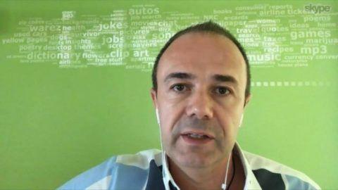 Kurucz Imre, az NRC kutatási igazgatója ismerteti az adatokat a DTM-nek