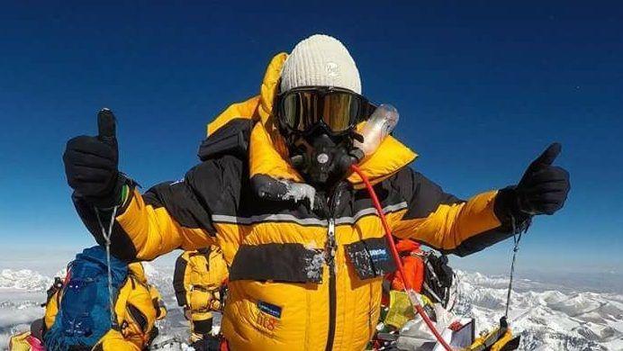 Everest csúcsfotó: Németh Alexandra a világ tetején áll