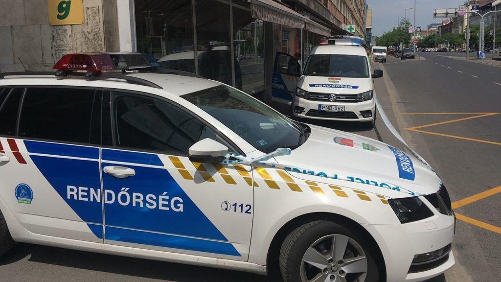 Kiraboltak egy ékszerboltot a Teve utcai rendőrpalota közelében  1442a66ce3