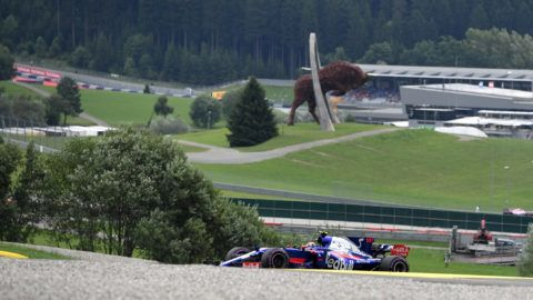 Torro Rosso's Spanish driver Carlos Sainz Jr drives his car during the qualifying session of the Formula One Austria Grand Prix at the Red Bull Ring in Spielberg, on July 8, 2017. / AFP PHOTO / ANDREJ ISAKOVIC