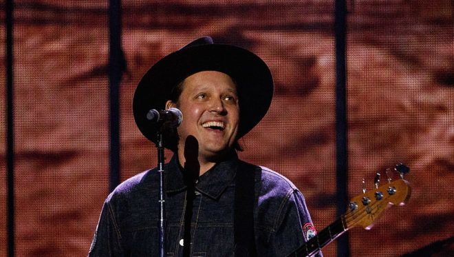 VANCOUVER, BC - MARCH 25: (L) Win Butler of Arcade Fire performs on stage during the 2018 JUNO Awards at Rogers Arena on March 25, 2018 in Vancouver, Canada.   Andrew Chin/Getty Images/AFP