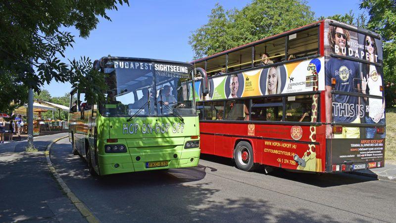 Budapest, 2016. július 11.A Budapest City Sightseeing és a Citytour Hop on - Hop off turistabuszai Budapesten, a Gellérthegyen.MTVA/Bizományosi: Róka László ***************************Kedves Felhasználó!Ez a fotó nem a Duna Médiaszolgáltató Zrt./MTI által készített és kiadott fényképfelvétel, így harmadik személy által támasztott bárminemű – különösen szerzői jogi, szomszédos jogi és személyiségi jogi – igényért a fotó készítője közvetlenül maga áll helyt, az MTVA felelőssége e körben kizárt.