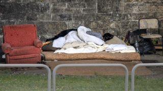 Budapest, 2017. szeptember 2.Egy hajléktalan otthona a Petőfi híd alatt.MTVA/Bizományosi: Róka László ***************************Kedves Felhasználó!Ez a fotó nem a Duna Médiaszolgáltató Zrt./MTI által készített és kiadott fényképfelvétel, így harmadik személy által támasztott bárminemű – különösen szerzői jogi, szomszédos jogi és személyiségi jogi – igényért a fotó készítője közvetlenül maga áll helyt, az MTVA felelőssége e körben kizárt.