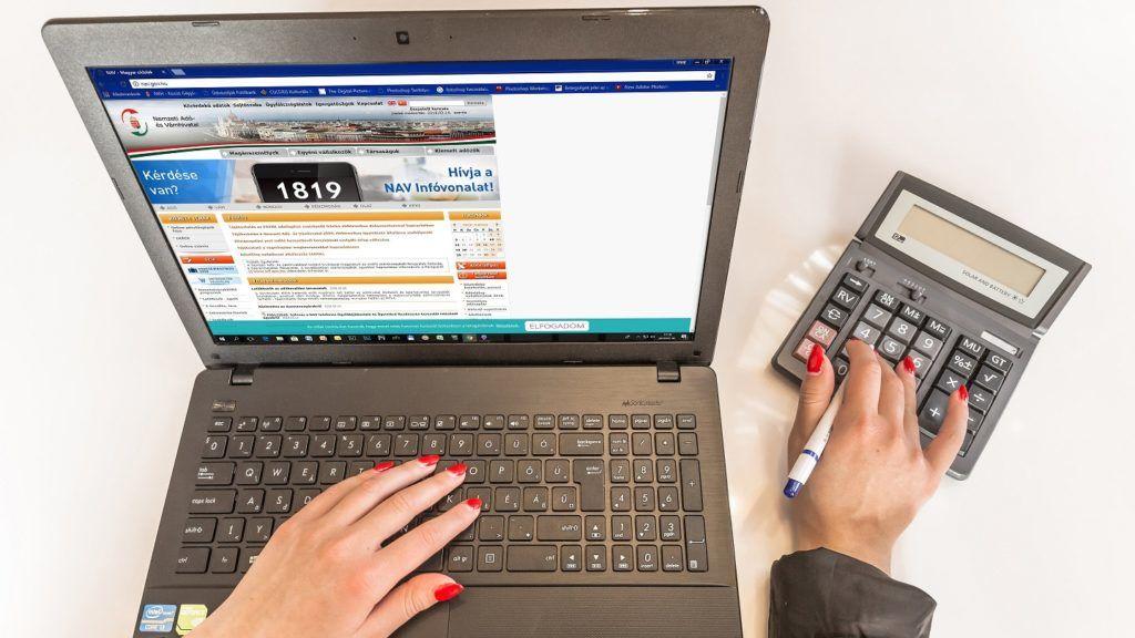 Budapest, 2018. március 15. Illusztráció adóbevallással, adózással, számvitellel, adóügyekkel, elektronikus online adóbevallással kapcsolatos hírek illusztrálásához. MTVA/Bizományosi: Faludi Imre  *************************** Kedves Felhasználó! Ez a fotó nem a Duna Médiaszolgáltató Zrt./MTI által készített és kiadott fényképfelvétel, így harmadik személy által támasztott bárminemû – különösen szerzõi jogi, szomszédos jogi és személyiségi jogi – igényért a fotó készítõje közvetlenül maga áll helyt, az MTVA felelõssége e körben kizárt.
