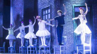 Budapest, 2016. július 27.Kökény-Hámori Kamill (j2) Billy szerepében Sir Elton John és Lee Hall Billy Elliot című musicaljének próbáján a Magyar Állami Operaházban 2016. július 27-én. A darabot Szirtes Tamás rendezésében július 29-én mutatják be.MTI Fotó: Kallos Bea