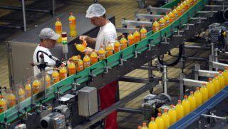 Dunaharaszti, 2017. szeptember 13. A Coca-Cola HBC Magyarország Kft. üzeme Dunaharasztiban 2017. szeptember 13-án. A cég kétmilliárd forintos beruházással új élelmiszeripari raktárbázist épített. MTI Fotó: Illyés Tibor