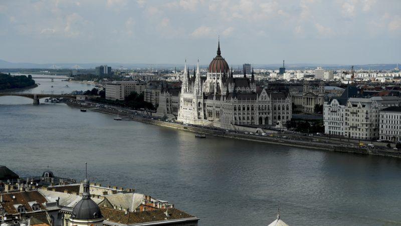 Budapest, 2018. május 28. Az Országház délutáni napsütésben 2018. május 28-án. MTI Fotó: Koszticsák Szilárd