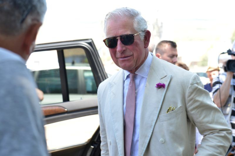 Szászfehéregyháza, 2018. május 31. Károly walesi herceg, brit trónörökös Erdélyben, szászfehéregyházi (Viscri, Deutsch-Weisskirch) birtoka elõtt 2018. május 31-én. MTI Fotó: Kátai Edit