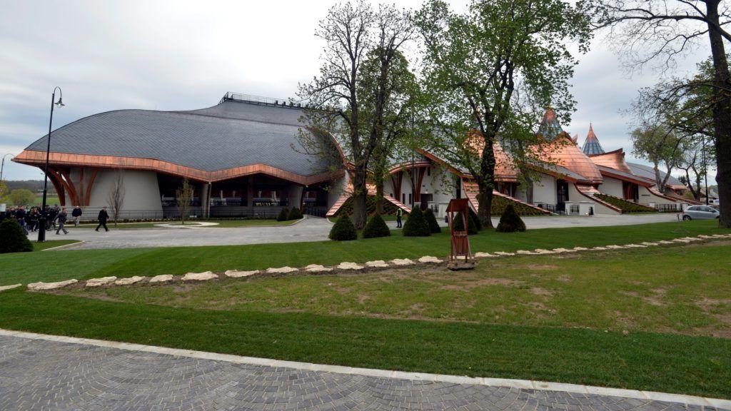 A Puskás Akadémia felcsúti stadionja, a Pancho Aréna sajtóbejárása