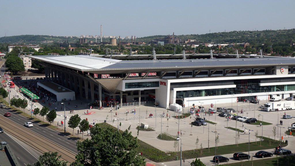 Miskolc, 2018. május 5.A DVTK csapatának otthont adó új Diósgyőri Stadion 2018. május 5-én, az avató napján. A létesítmény 15 ezer néző befogadására alkalmas.MTI Fotó: Vajda János