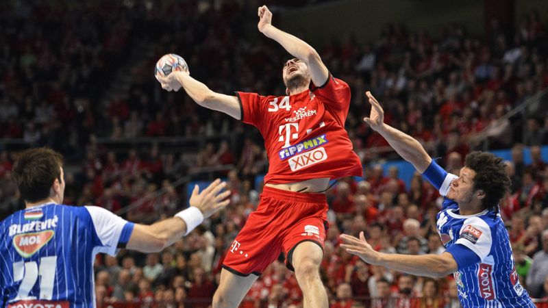 Veszprém, 2018. március 10.A veszprémi Petar Nenadic (k), valamint a szegedi Alen Blazevic (b) és Thiagus dos Santos (j) a férfi kézilabda NB I Telekom Veszprém - MOL-Pick Szeged mérkőzésén a Veszprém Arénában 2018. március 10-én. A Szeged 32-31-re győzött, a csapat legutóbb 15 éve, 2003 februárjában nyert Veszprémben.MTI Fotó: Bodnár Boglárka